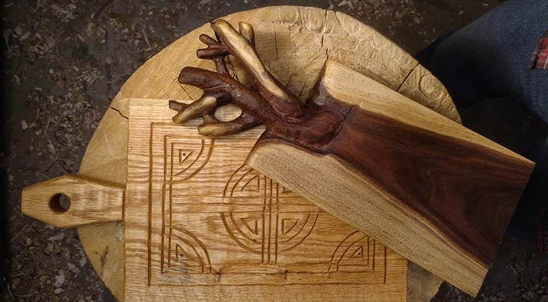 Вашите проекти: Резбована дървена дъска за рязане