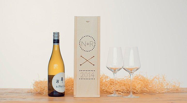 Wie man mit Dremel eine individuelle Weinkiste anfertigt.