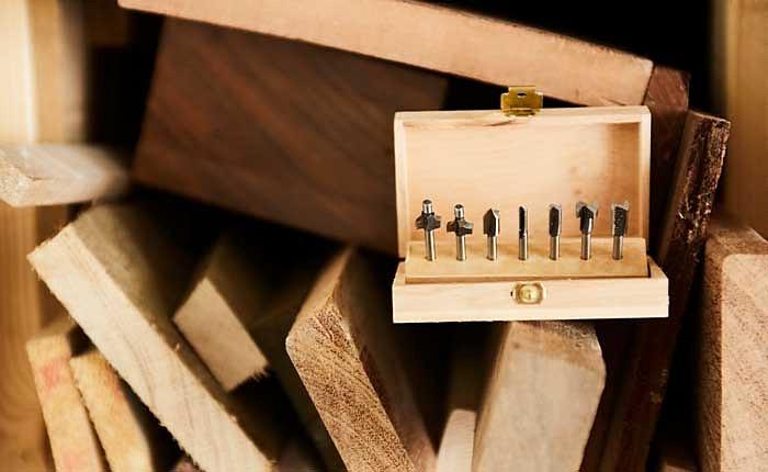 Dremels Mehrzweck-Frässtift-Set besteht aus sieben unterschiedlichen Frässtiften in einer Holz-Box.
