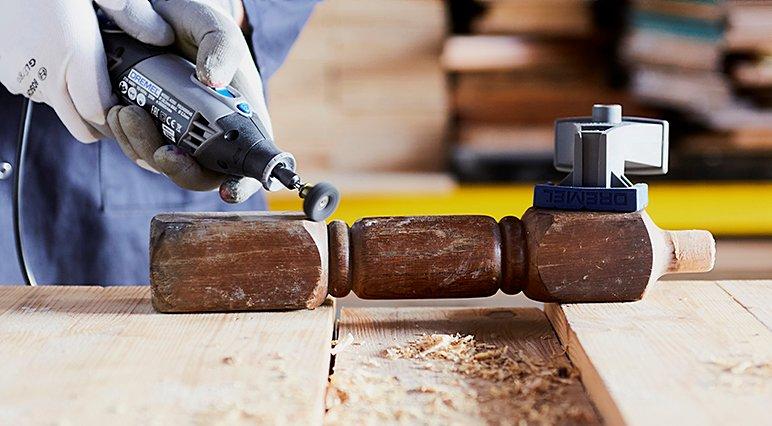 In Dremels Schleif- und Schmirgelanleitung für Einsteiger wird erklärt, wie man alle Arten von Werkstoffen schleift und schmirgelt – angefangen von Holz bis hin zu Metall.