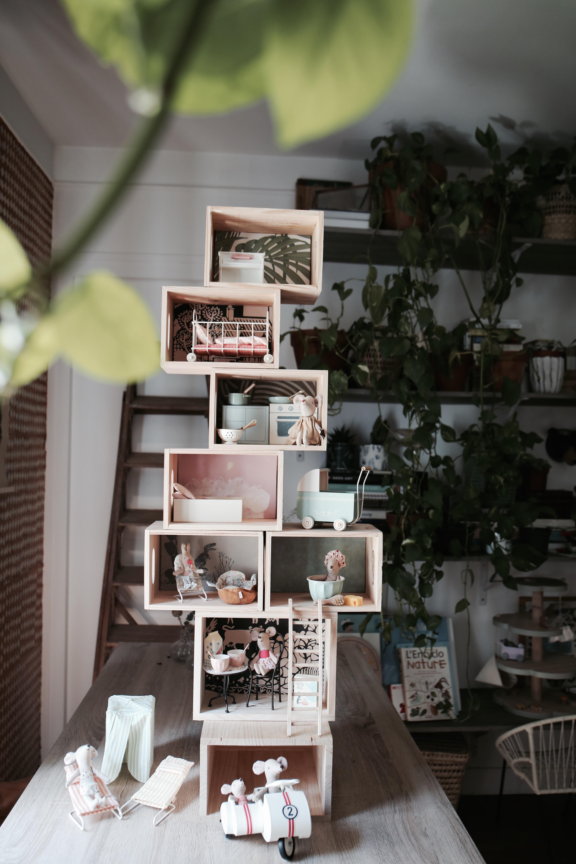 maison de poupées créée avec outil Dremel