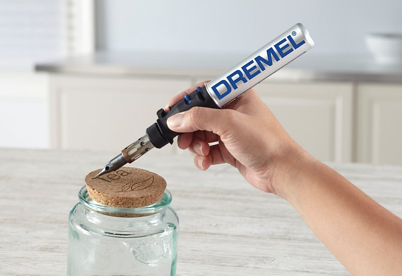 Crafting DIY birthday gifts with the Dremel® VersaTip.
