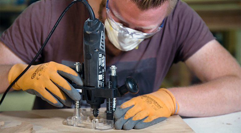 Learn how to rout with a Dremel Multi-Tool by watching this extensive masterclass.