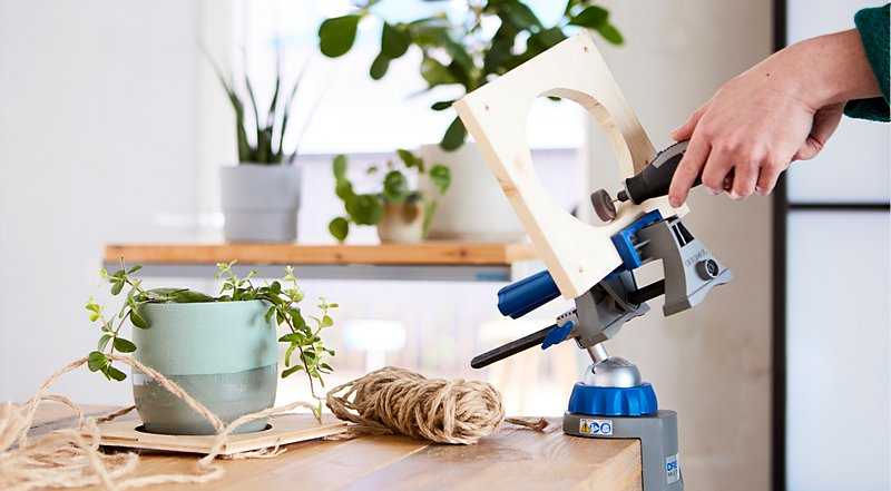 You can easily create a plant hanger with your trusty Dremel Multi-Tool, to add some nature to your home office.
