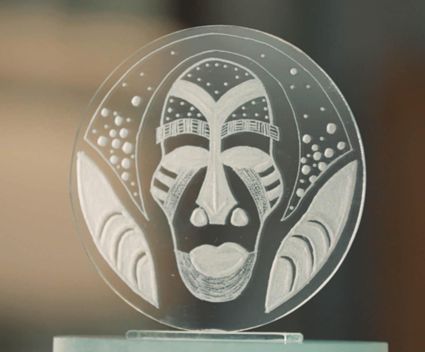 Stap voor Stap: Maken van een glazen kunstwerk - Graveren