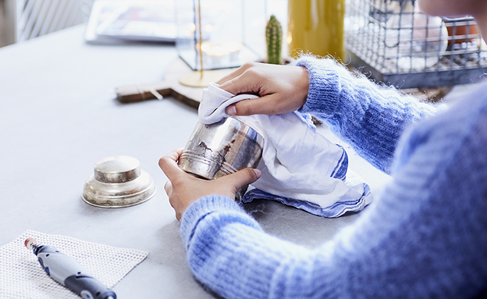 Рекомендуем периодически протирать поверхность, чтобы контролировать качество работы.