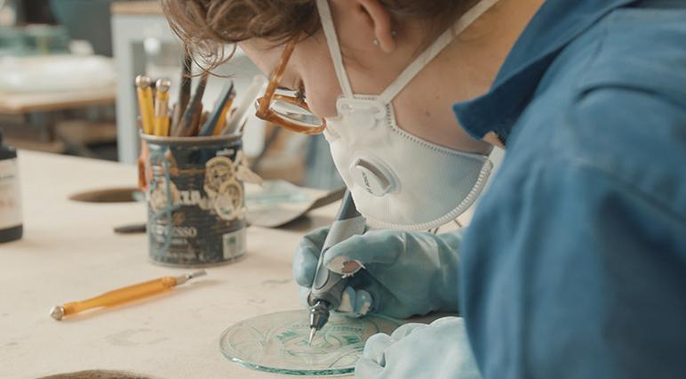 Вдохновляющий мастер-класс по гравированию стекла от Dremel.