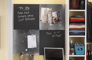 Эта доска, сделанная своими руками, станет отличным пространством для идей в твоем домашнем офисе.