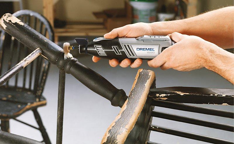 Многофункциональный инструмент Dremel — твой надежный помощник для проектов вторичного использования материалов, который шлифует, полирует и сверлит.