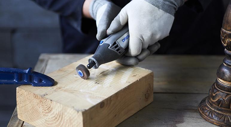 Dremel aleti ile bir sonraki zımparalama projenizin sorunsuz bir şekilde ilerlemesini sağlayın.