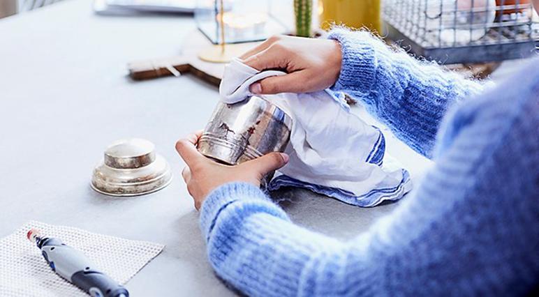 Bu yeni başlayanlar için temizleme ve cilalama kılavuzundaki tüm temel bilgileri bulun.